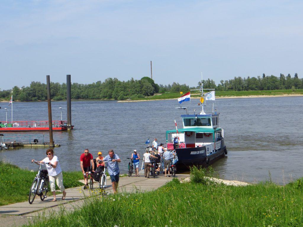 De overtocht vanaf Pannerden naar Millingen aan de Rijn.