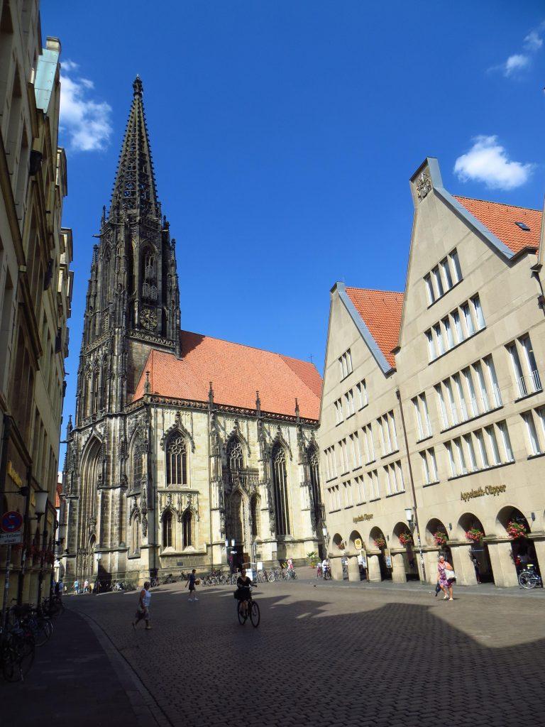 Eén van de mooie oude kerken in Münster.