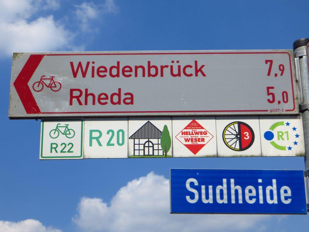 De bordjes met R1 wijzen mij de weg richting Berlin.