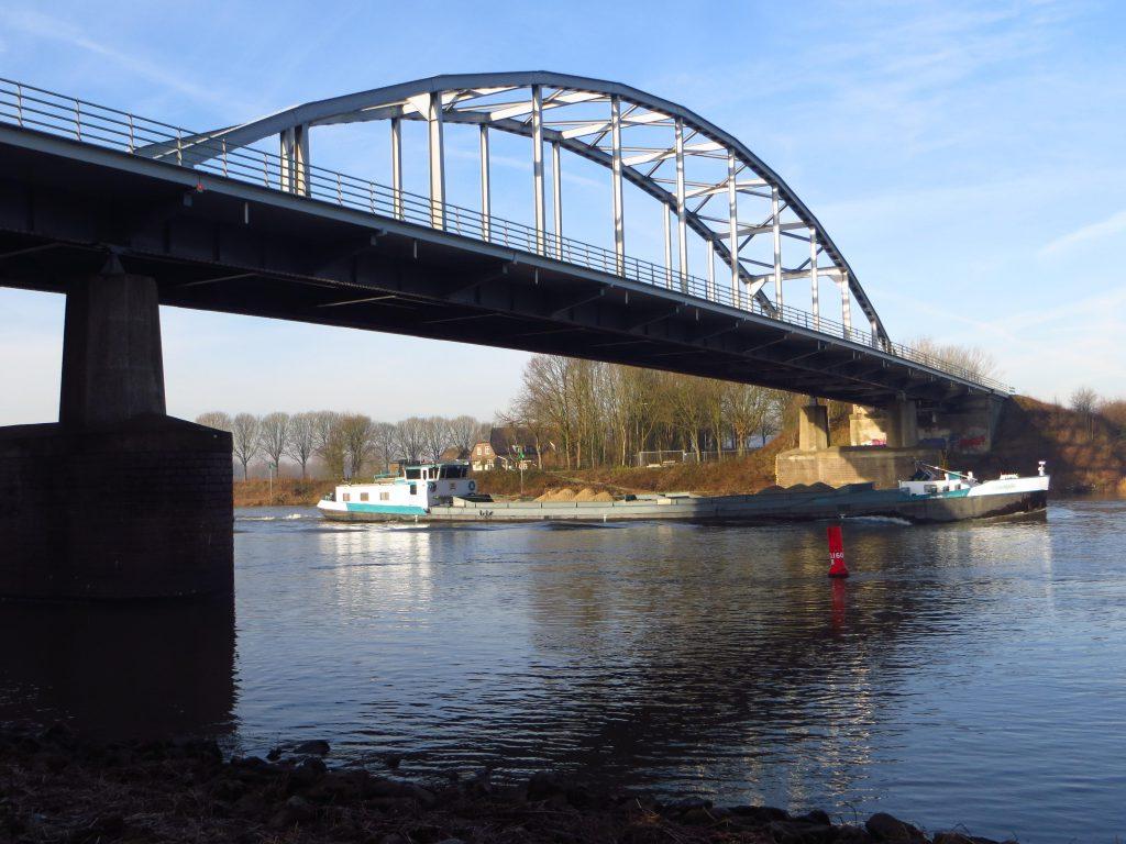 De brug over de IJssel bij Doesburg (17 februari 2019).
