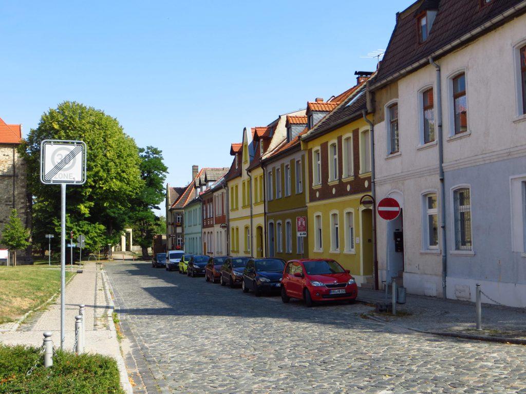 Een karakteristieke dorpstraat.